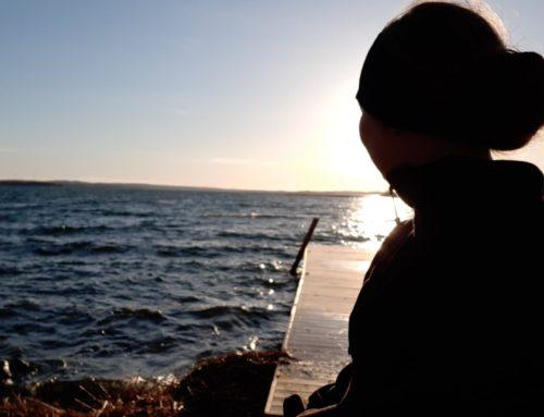 Lisa springer vidare runt sina sjöar, sjötös eller sjöjungfru?